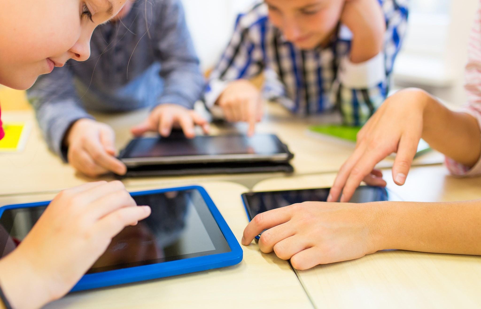 K3 Kleurplaten Spelletjes.Apps Voor Klein Kinderen 5 Welke Spelletjes Zijn De Moeite